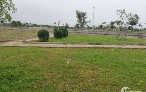 chính chủ bán gấp lô đất khu đô thị số 3 đối diện công viên . giá 8tr/m