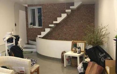 Bán nhà ngõ 429 Kim Mã mới, đẹp, ngõ rộng, gần phố 35m x 5T giá 3,6 tỷ.