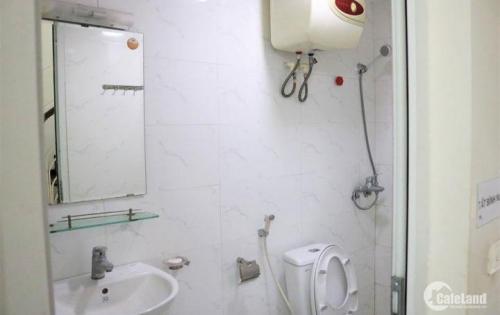 Bán nhà riêng Kim Mã phù hợp đầu tư, vị trí đẹp, dt 34m2, 5 tầng, giá 3.6 tỷ.