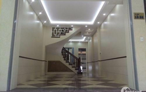 Bán nhà Mặt phố Vạn Bảo, 70m2x2 tầng, Mặt tiền 5m, 14.8 tỷ. Lh: 0986753411.