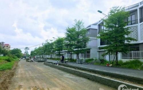Bán Liền Kề Nam 32 vị trí kinh doanh, mặt đường 30m. LH: 0977084485