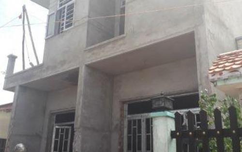 cần bán gấp căn nhà cách chợ Bình Chánh 2km, giá chỉ 690tr ( 100%)