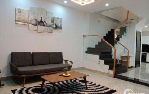 Định cư nước ngoài cần bán gấp nhà Nguyễn Chánh mới xây dựng chuẩn Châu Âu kèm nội thất sang trọng lh: 0898225856