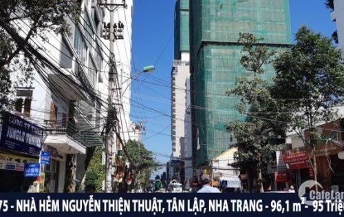 Bán gấp nhà khu phố Tây đường Nguyễn Thiện Thuật,Tân Lập, Nha Trang