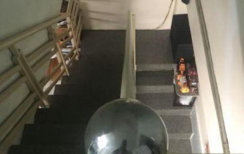 Cần bán gấp nhà hẻm 44 bùi văn ba, nhà 1 trệt 1 lầu , phường tân thuận đông q7