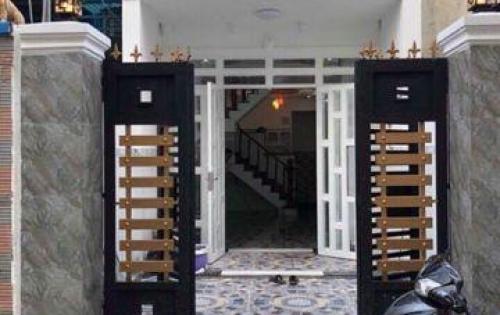 Bán nhà 1 trệt 2 lầu gần chợ Bình Chánh, sổ hồng riêng