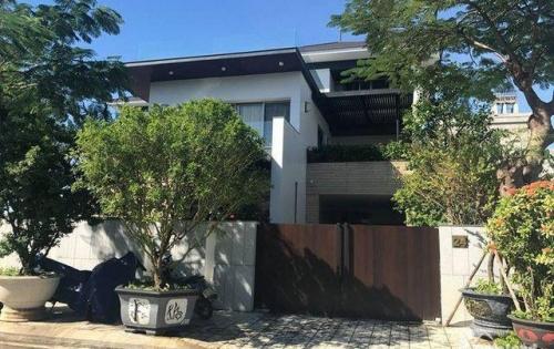 Bán gấp Villa sân vườn mới tinh 2 lầu MT Phùng Văn Cung, ngay Phan Xích Long, P Nhuận. *dt 9x12m *1 trệt 2 lầu áp mái * giá 19 tỷ