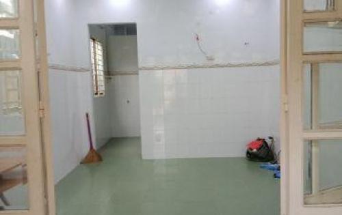 Nhà 1 Trệt,1 Lầu, hẻm 3m đ.40 Linh Đông,Ban công thoáng mát