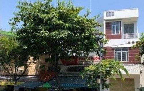 Bán nhà mặt tiền Lê Đình Lý . Nhà  xây năm 2016 và chưa ở , nhà còn mới , rất tiện để kinh doanh . Nhà 3 tầng  , dt sử dụng 210m2 , dt đất 70m2