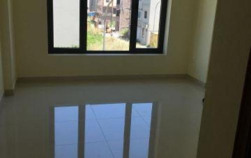 Cho thuê nhà MP Phạm Văn Đồng 45m2 x 5 tầng, MT 4m, giá 70tr/th.
