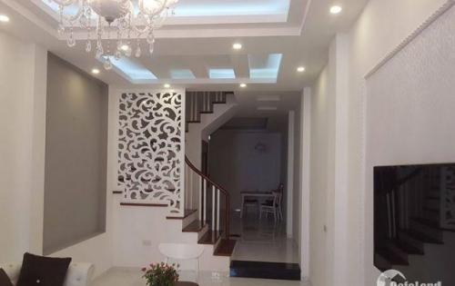 Cho thuê căn hộ, cửa hàng 120m2x7 tầng tòa nhà mặt phố Hội Vũ, Hoàn Kiếm. Giá 305 triệu/tháng