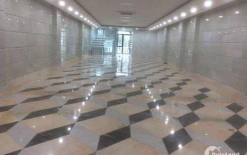 Sàn showroom, spa cực đẹp tại Ngã 4 Khuất Duy Tiến, Thanh Xuân.
