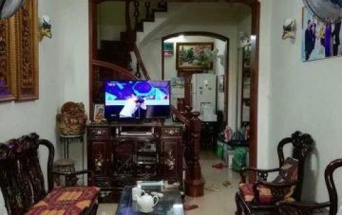 Cho thuê nhà riêng đường Nguyễn Trãi, tiện để ở hoặc làm văn phòng