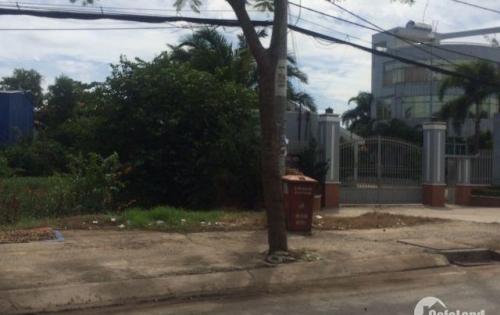 •Bán gấp 2 lô đất mặt tiền đường Nguyễn Trung Trực-thị trấn Bến Lức, giá chỉ 580 triệu/nền.