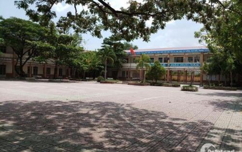 Bán lô đất thổ cư đối diện trường học, sổ riêng thị trấn Rạch Kiến 450 tr/n.