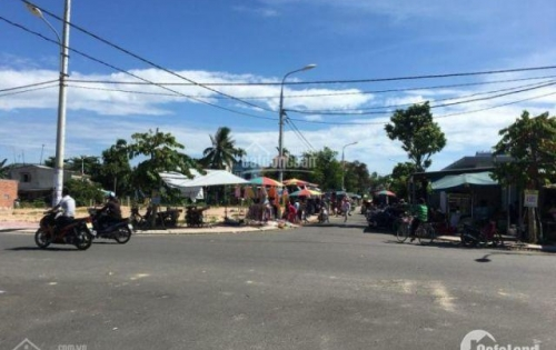 Đất chợ dân cư đông đúc sát quốc lộ 1a chỉ 800tr LH:0935066058