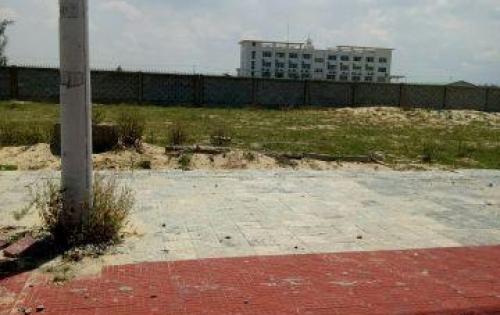 Bán lô biệt thự sân vườn, sát FPT, giá chỉ 8tr/m2, bao sổ