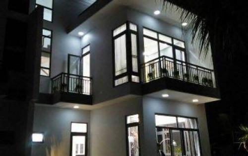 Bán gấp villa Trần Anh Riverside mặt tiền đường QL1A, nằm ngay Trung tâm TT. Bến Lức