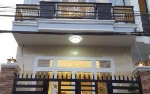 Nhà lầu đẹp phong cách cổ điển 45m2, KDC Hạnh Phúc, quận Bình Thủy