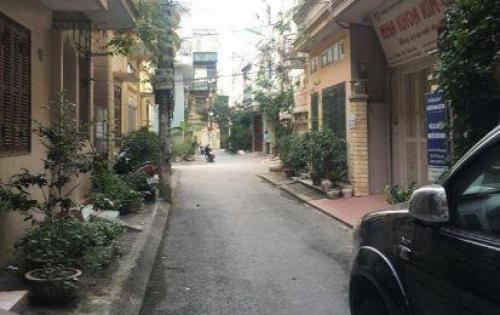 Bán nhà Phân Lô Lê Văn Lương 50m2 ô tô đỗ cửa.