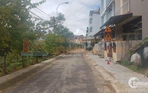 Nhà đẹp view phố cần bán tại KQH Yersin, P9, TP Đà Lạt