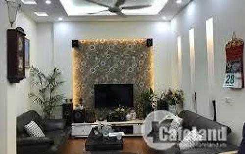 Bán nhà đẹp phố Hào Nam, diện tích 34m2 x 4 tầng, mặt tiền 4,5m. Giá 3.3 tỷ.