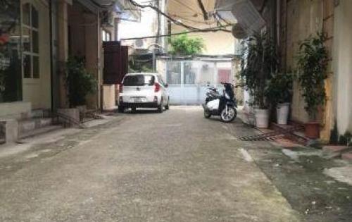 Chính chủ bán nhà ngõ 39 Hào Nam 46m2 ô tô đỗ cổng