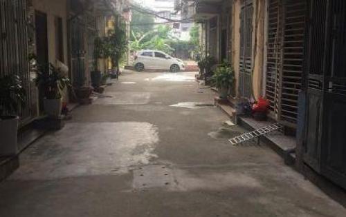 Bán nhà phân lô S 40m2*5 tầng phố Tôn Thất Tùng giá 4,5 tỷ.