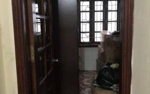 Ô tô đỗ cửa, nhà 5 tầng phố Hoàng Mai, Hà Nội giá rẻ chưa từng có 3,2 tỷ