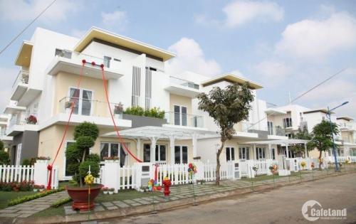 Bán gấp căn Vincom 2 lầu Bình Chánh,MT QL1A,8x14m2,SHR-LH 0904 646 772