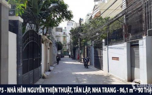 Chính chủ bán gấp nhà giá rẻ khu phố Tây đường Nguyễn Thiện Thuật, phường Tân Lập, Nha Trang
