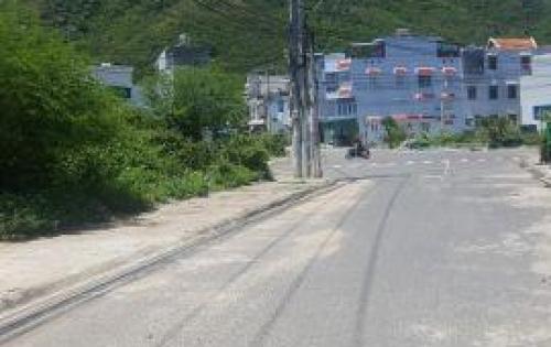 Bán nhà đẹp mặt tiền đường Bùi Huy Bích giá siêu rẻ