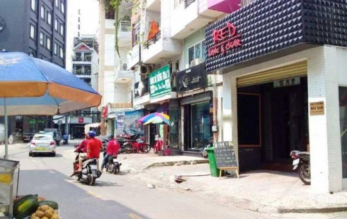 Nhà 3 lầu nở hậu Mặt tiền đường Nguyễn Văn Tráng P. Bến Thành Quận 1.