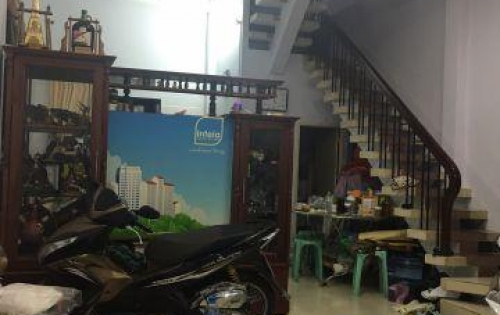 Bán nhà HXH thẳng 1 sẹc cách MT Nguyễn Phi Khanh 25m, P.Tân Định, Q1. * diện tích: 5 x 10 m, nở hậu. DTCN: 45m2, DT sàn: 140m2 * nhà 1 trệt 2 lầu, Giá 9 tỷ