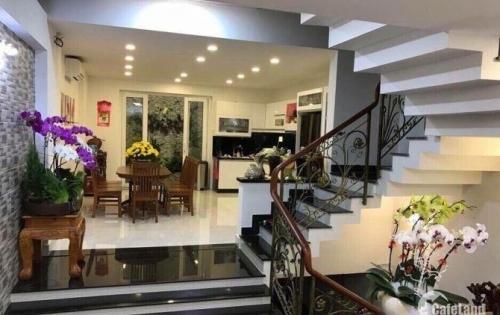 Bán gấp nhà (9 x 26m) 204Bis Nguyễn  Phúc Nguyên Quận 3