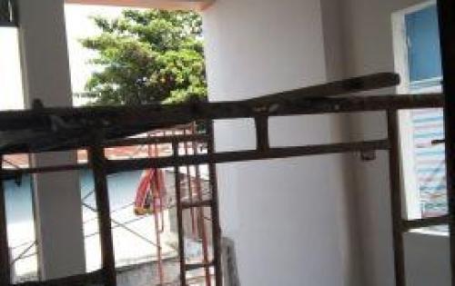 Cần bán căn nhà trệt 3 lầu, đường 138. P. Tân Phú.