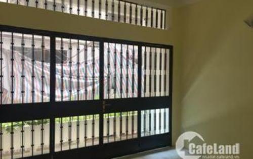 Bán nhà hẻm Xe Hơi đường Nguyễn Kiệm, quận Phú Nhuận - Diện tích nhà 4m x 10m , sàn sủ dụng  120m2 . - Thiết kế 1 trệt 2 lầu , gồm 3PN , 3WC- giá 5.5 tỷ