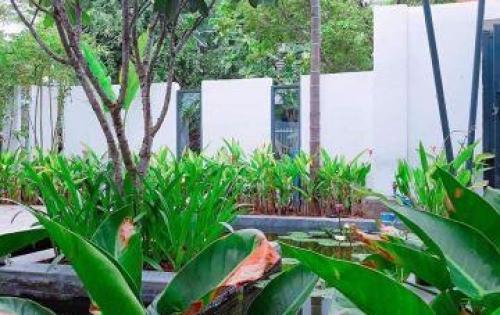 Bán biệt thự cách biển Sơn Trà Đà Nẵng 300m có hồ bơi diện tích 225m2
