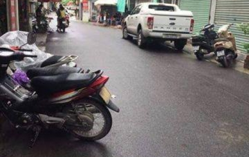 Bán nhà ngõ ô tô Vương Thừa Vũ, S46m2, giá 5,2 tỷ.