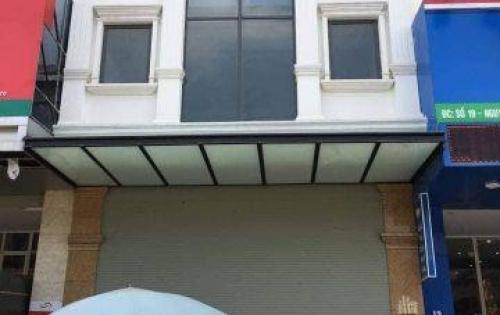 Cho thuê nhà mặt phố Trung Kính, diện tích 150m2, mặt tiền 10m