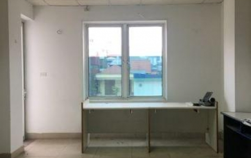 Chính chủ cho thuê văn phòng tại tòa nhà mới xây, đẹp nhất mặt phố Nguyễn Văn Huyên giá chỉ 10tr