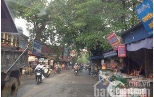 Bán nhanh lô đất ở Khoan Tế nằm trên trục đường chợ Bún, ô tô đậu vào tận cửa nhà mà giá chỉ có 900 triệu.