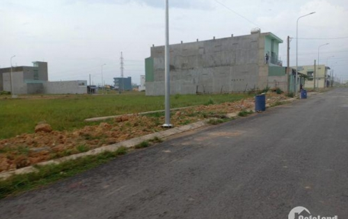 Sang lại gấp nền đất 100m ở gần 2 chợ Việt Kiều giá 650tr Sổ Hồng Riêng Thổ cư 100%