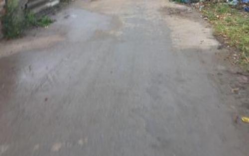 Cần bán gấp đất Thạch Bàn, Long Biên DT 48.6m2, MT 3.7m đường ô tô vào tận nhà