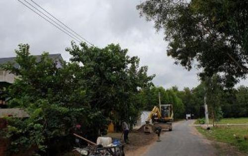 Bán nhà đất ngay chợ Tân Hòa Phú Mỹ 120m2 ( 6x20m) giá 360tr LH 0938114318