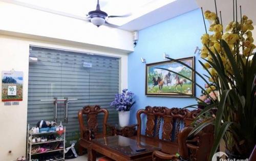Cần bán nhà Đội Cấn, Ba Đình, diện tích 40m2 x 3 tầng Giá 3,4 tỷ
