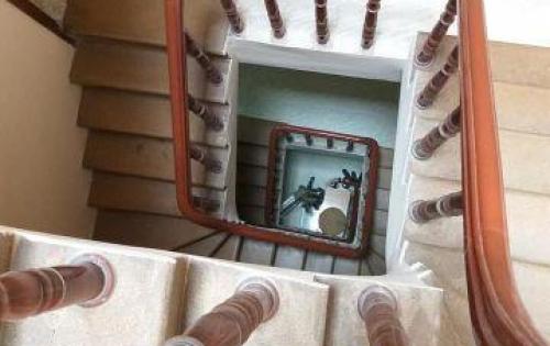 Bán nhà mặt phố Phan Kế Bính lô góc-Kinh Doanh 40m 4 tầng 10,5 tỷ