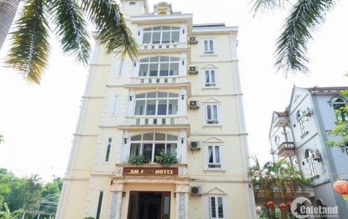Chính chủ cần bán khách sạn mặt phố gần ngã ba Trung Hòa- Trần Duy Hưng. Q Cầu Giấy. 80m2, 6 tầng, MT 6m