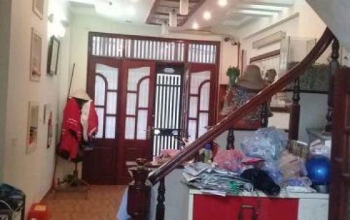 Bán nhà đẹp Yên Hòa. Dt 37m x4, mt 4m, giá 4,1 tỷ.
