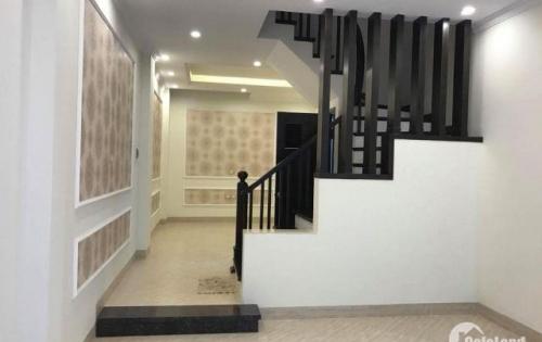 Bán nhà riêng 5 tầng mới về ở luôn, MT 5m, giá 4,1 tỷ phố Thịnh Quang.